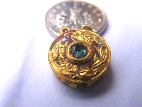 A resized image of pendant